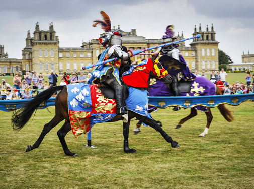 Blenheim-Palace-Events-Jousting-Bank-Holiday-Entertainment2.721f935f
